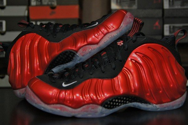 Nike-Air-Foamposite-One-'Metallic-Red'-New-Detailed-Images-1