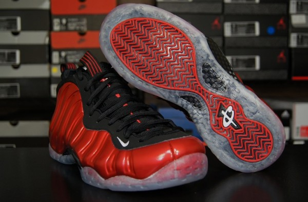 Nike-Air-Foamposite-One-'Metallic-Red'-New-Detailed-Images-8