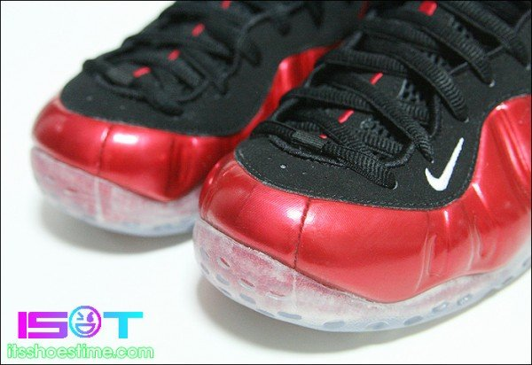 Nike Air Foamposite One 'Varsity Red' - More Images