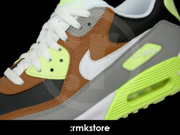 Nike Air Max 90 'Hazelnut' - Now Available