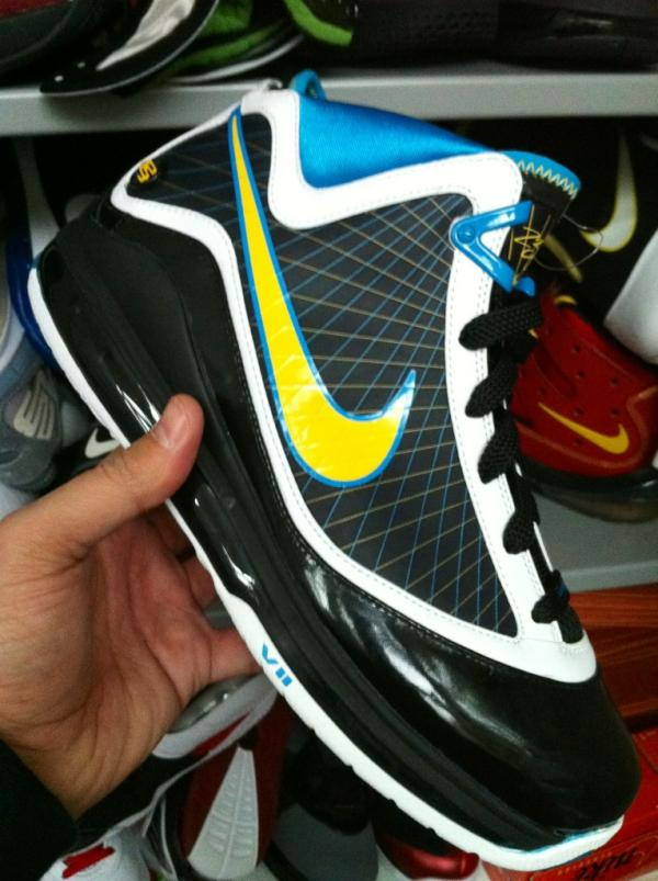 Nike Air Max LeBron VII (7) 'Fortune' Unreleased Sample
