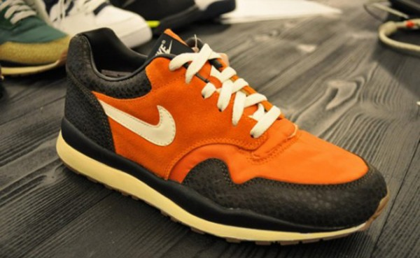 Nike Air Safari VNTG 'Orange/Black' - Fall 2012