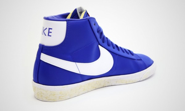 Nike Blazer High Nylon VNTG 'Royal' - Now Available