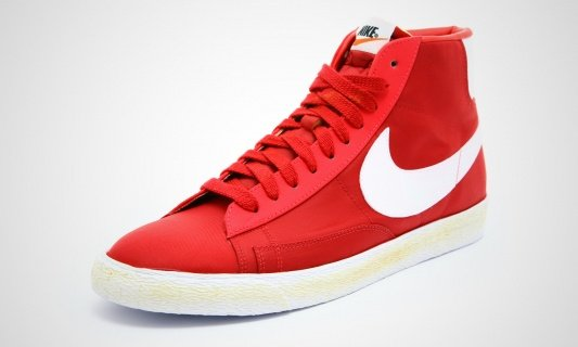 Nike Blazer High Nylon VNTG 'Varsity Red' - Now Available