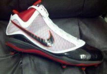 Nike LeBron 7 Cleat