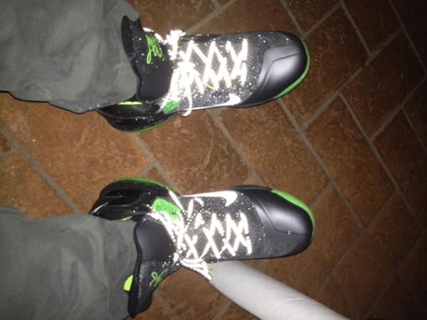 Nike-LeBron-9-'Dunkman'-On-Foot-Image