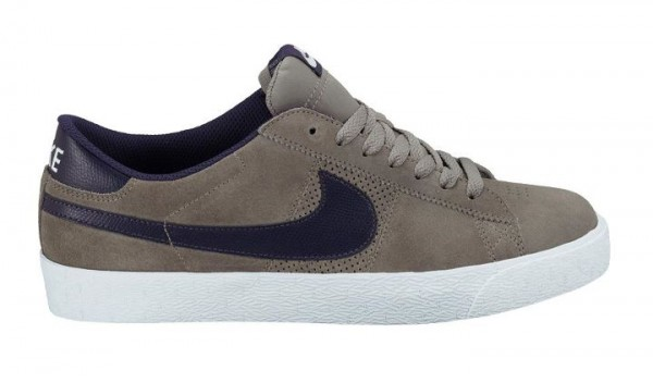 Nike SB Blazer Low 'Iron/Quasar Purple' - February 2012