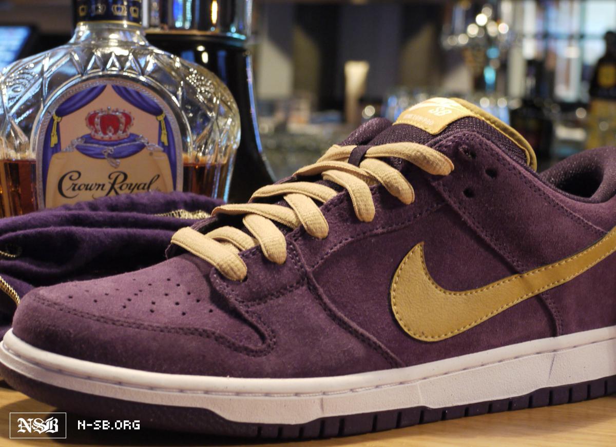 meet 04e8f ff402 ... Nike SB Dunk Low Crown Royal - April 2012 SneakerFiles Carmelo Anthony  wearing Air Jordan V 5 ...