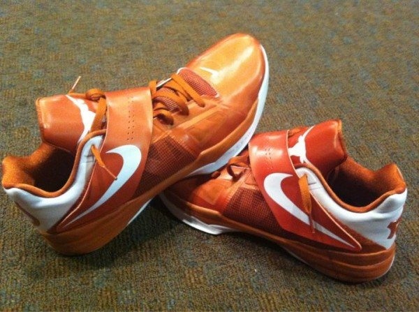 Nike Zoom KD IV 'Texas Longhorns' - First Look