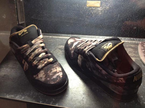 "Pushead x Nike SB Dunk Low ""Bleached"" - Fall 2012"