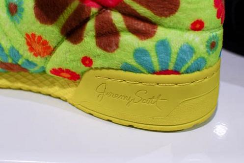 """adidas Originals JS """"Flower Bear"""""""