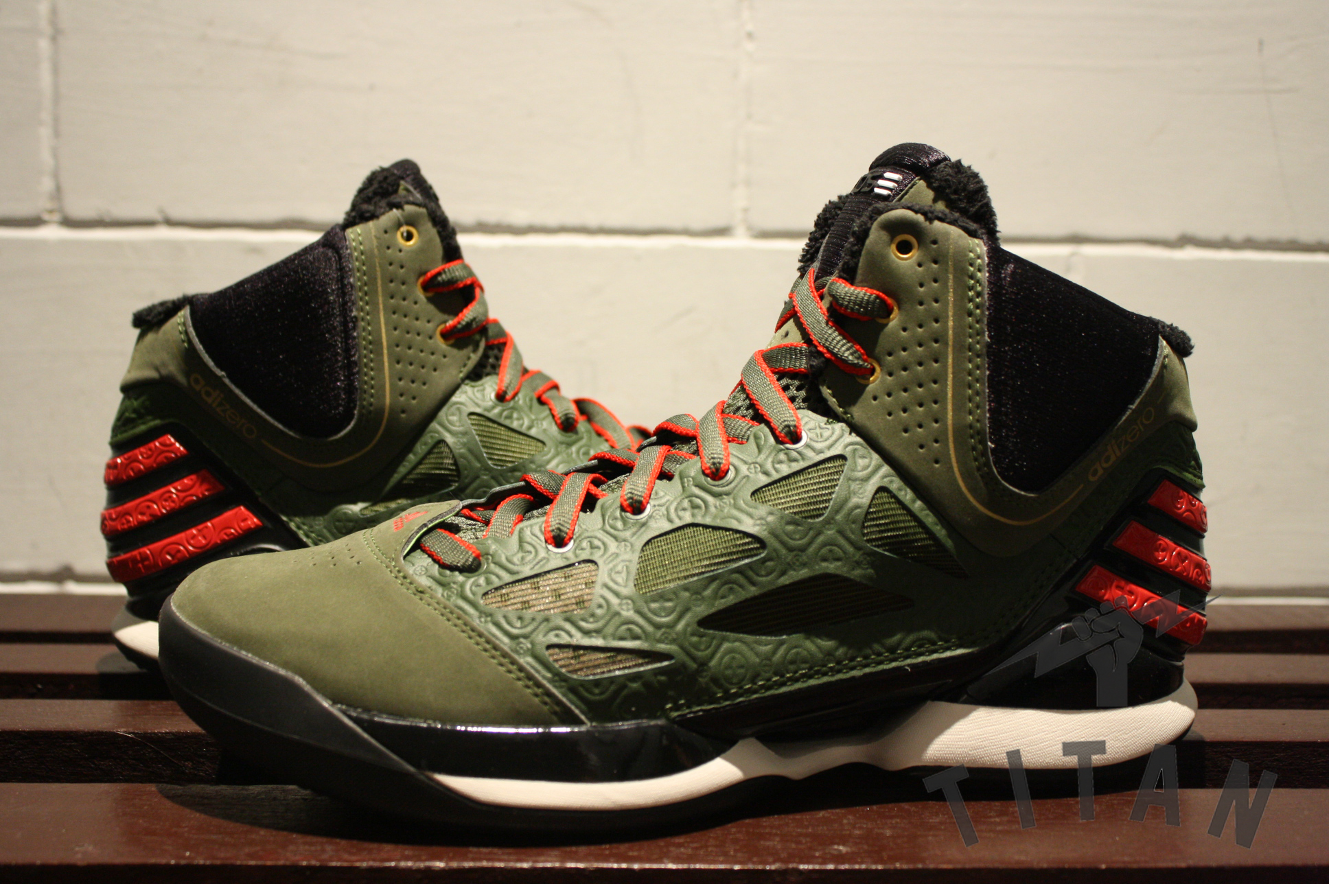 2391d5af26bf adidas adiZero Rose 2.5 Lei Feng - Now Available SneakerFil