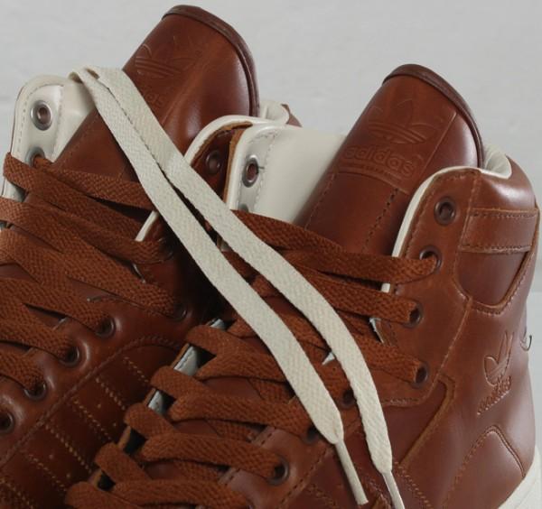 adidas-originals-decade-og-mid-supcol-gum-4