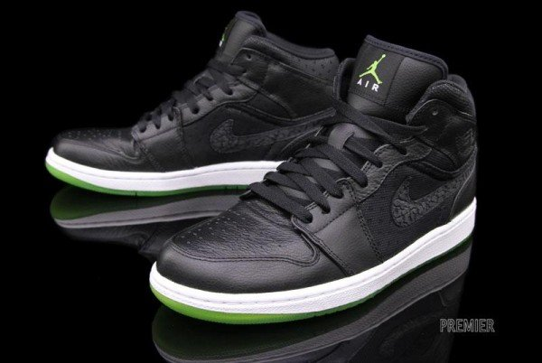 Air Jordan 1 Phat 'Black/Action Green' - Now Available