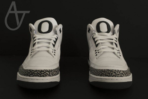 Air Jordan III (3) Oregon 'Home' PE - New Images