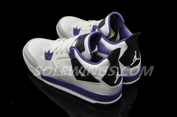 air-jordan-iv-4-gs-whiteultraviolet-black-4