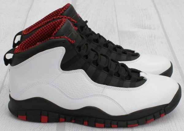 Air Jordan X (10) 'Chicago' - One Last Look