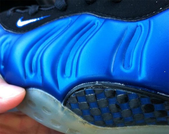 Nike Air Foamposite One Blue Carbon Fiber Sample
