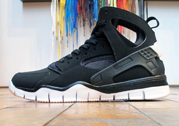 Nike Air Huarache BBall 2012 'Black/White' - Now Available