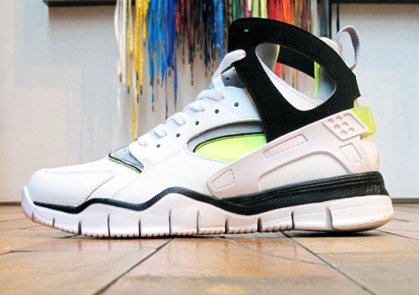 Nike Air Huarache BBall 2012 'Volt' - Now Available