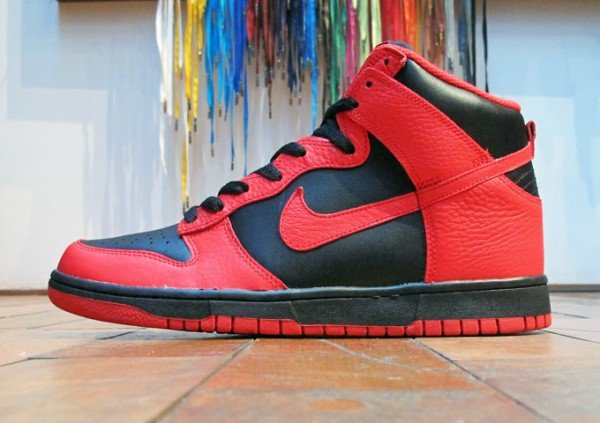 Nike Dunk High 'Black/Action Red' - Now Available