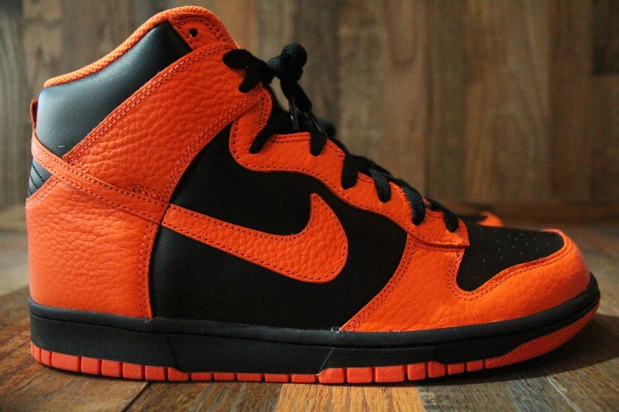 Nike Dunk High 'Black/Safety Orange