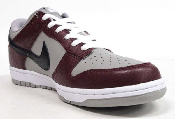 nike-dunk-low-burgundy-grey-4