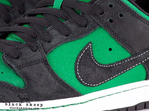 Nike SB Dunk Low Premium QS 'Pine Green Woodgrain' - February 2012
