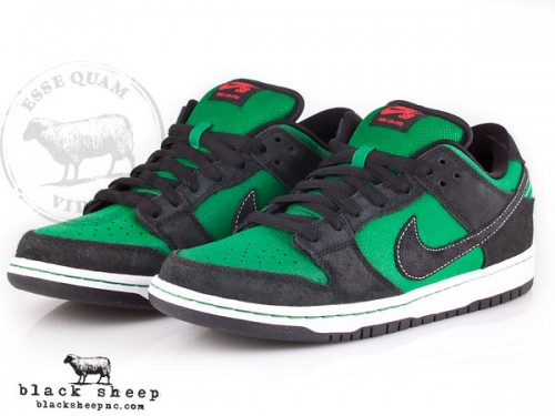 Nike SB Dunk Low Premium QS 'Pine Green Woodgrain' - February 2012