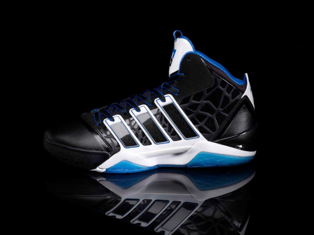dwight-howard-debuts-adidas-adipower-howard-2-signature-shoe-1