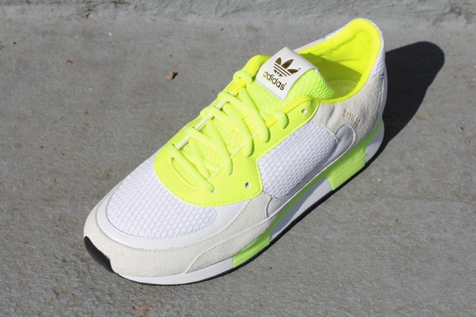 422707128a69e 70%OFF adidas Originals by David Beckham ZX 800 Electric Now Available