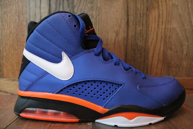 Nike Air Maestro Flight 'Knicks' - Now Available