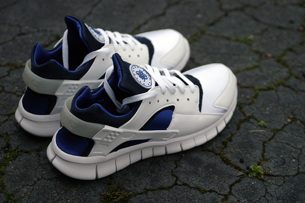 Nike Huarache Free 2012 'White/Navy-Royal'