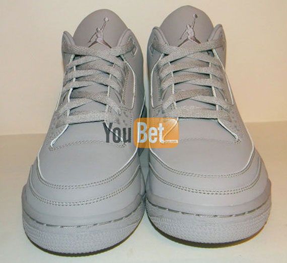 Air Jordan III (3)  College Grey  Sample  af9dd1917