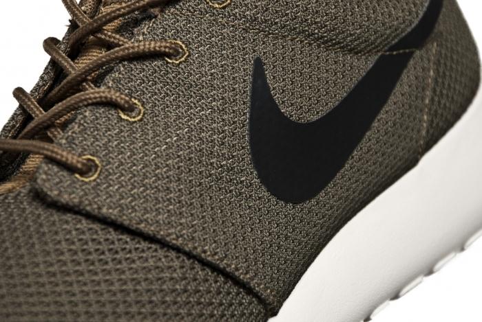 Nike Rosche Run 'Iguana/Black-Sail'