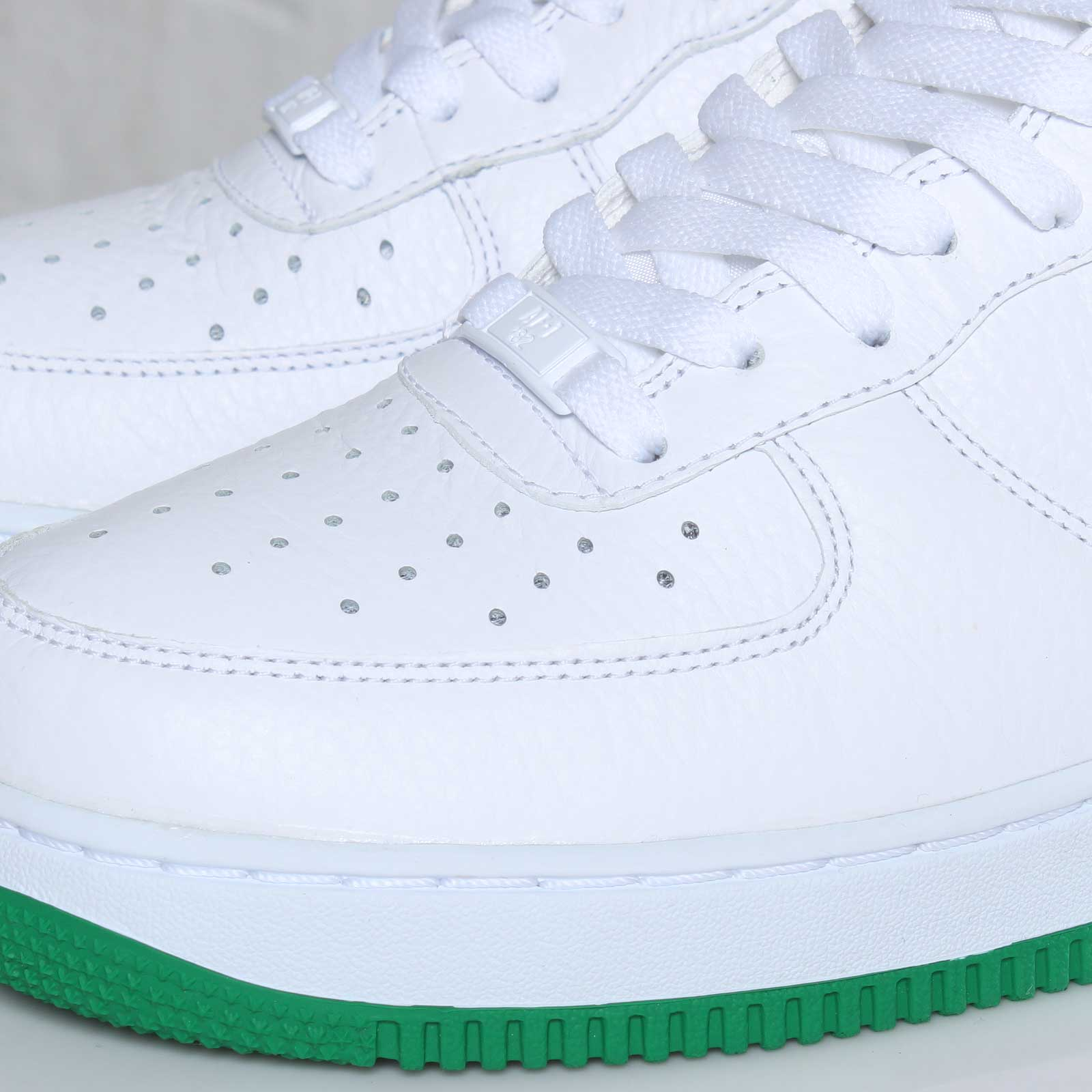 Nike Air Force 1 Low 'White/Court Green' - Available Early