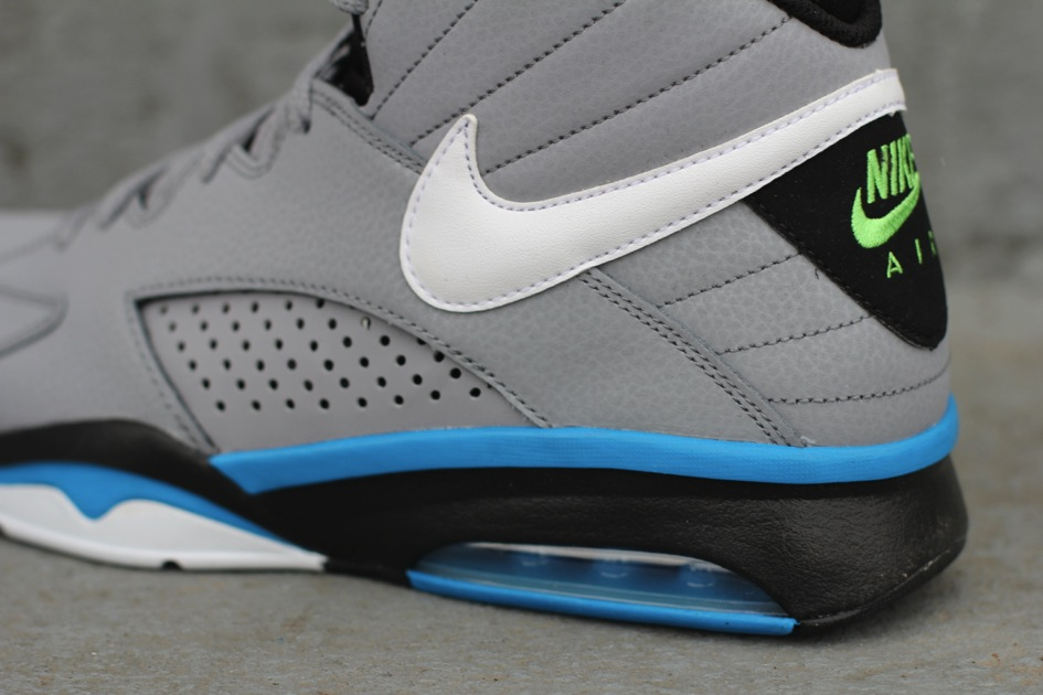 Nike Air Maestro Flight 'Stealth/Neptune Blue' - Now Available