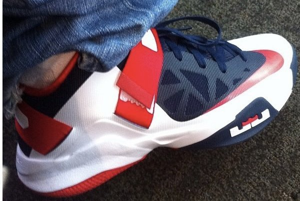 Nike LeBron Soldier 6 Low Sample