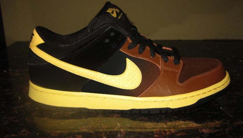 Nike SB Dunk Low 'Black and Tan