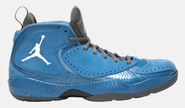 Release Reminder  Air Jordan 2012 Deluxe  UNC   43c2f7ec66