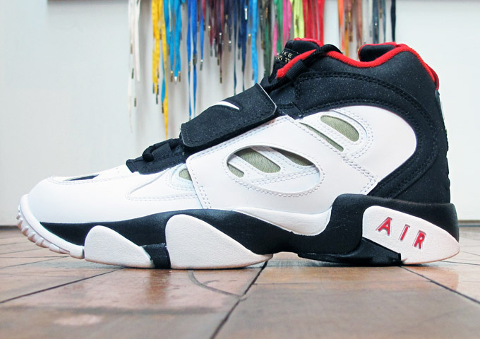 finest selection c54aa 60cc5 Release Reminder Nike Air Diamond Turf 2 49ers