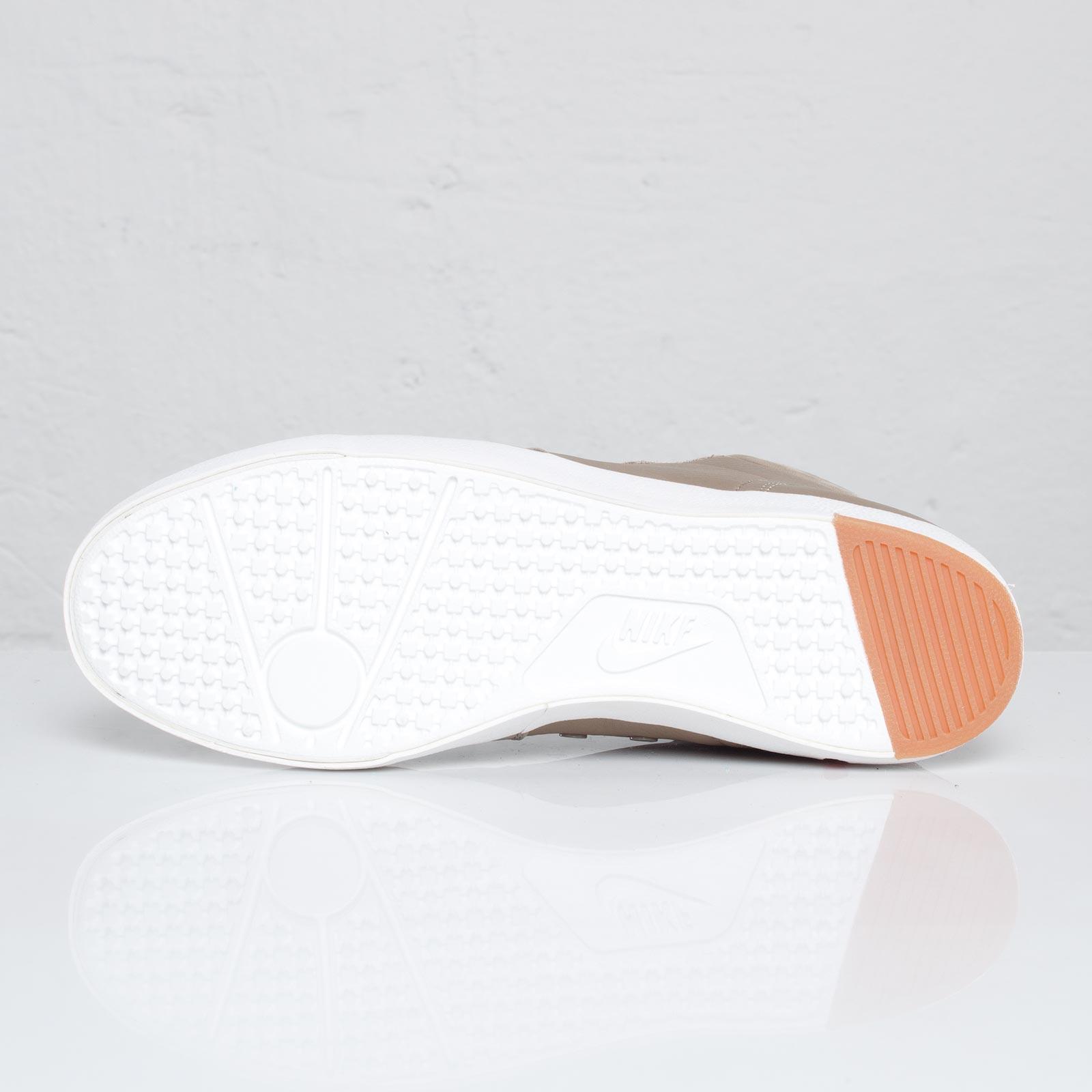 Release Reminder: Nike Manor Premium 'Khaki'