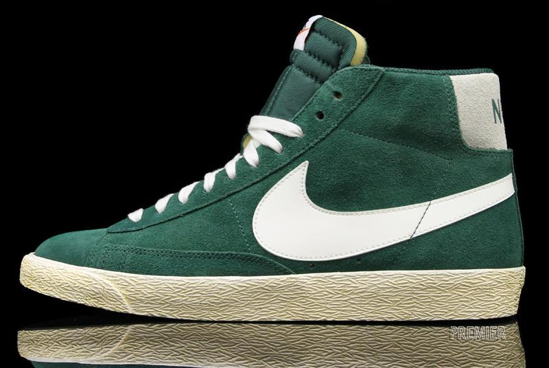 best service d1169 4dcef Nike Blazer High Premium Retro Gorge Green - Now Available