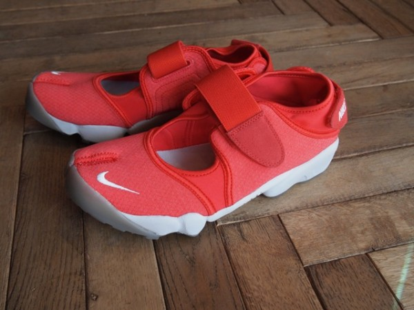 Nike Air Rift 'Action Red/Neutral Grey-Medium Grey-Action Red'