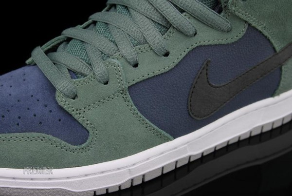 Nike SB Dunk Mid 'Nori' - Now Available