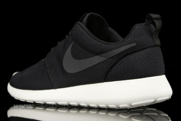 Nike Rosche Run 'Black' - Now Available at Premier