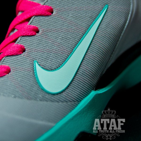 Nike LeBron 9 Elite 'South Beach' - Another Look