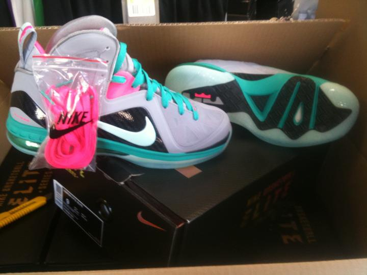 Nike LeBron 9 Elite South Beach - New Images