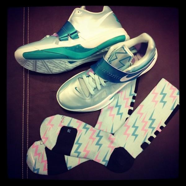 Nike Zoom KD IV 'Easter' Elite Socks