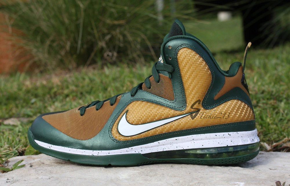 Nike LeBron 9 SVSM 'Away' PE - Detailed Look